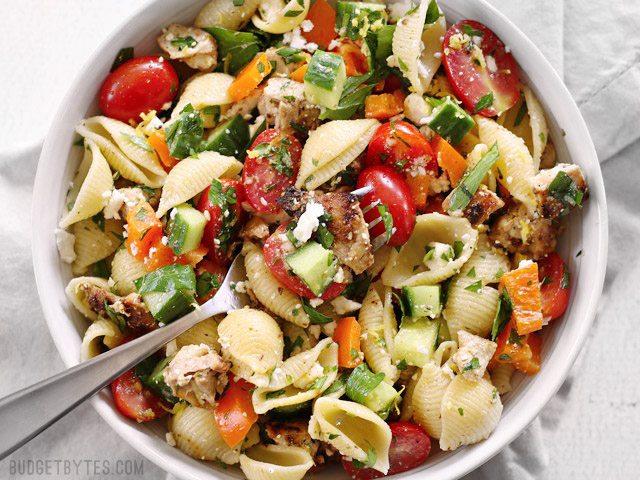 greek-chicken-pasta-salad-close2