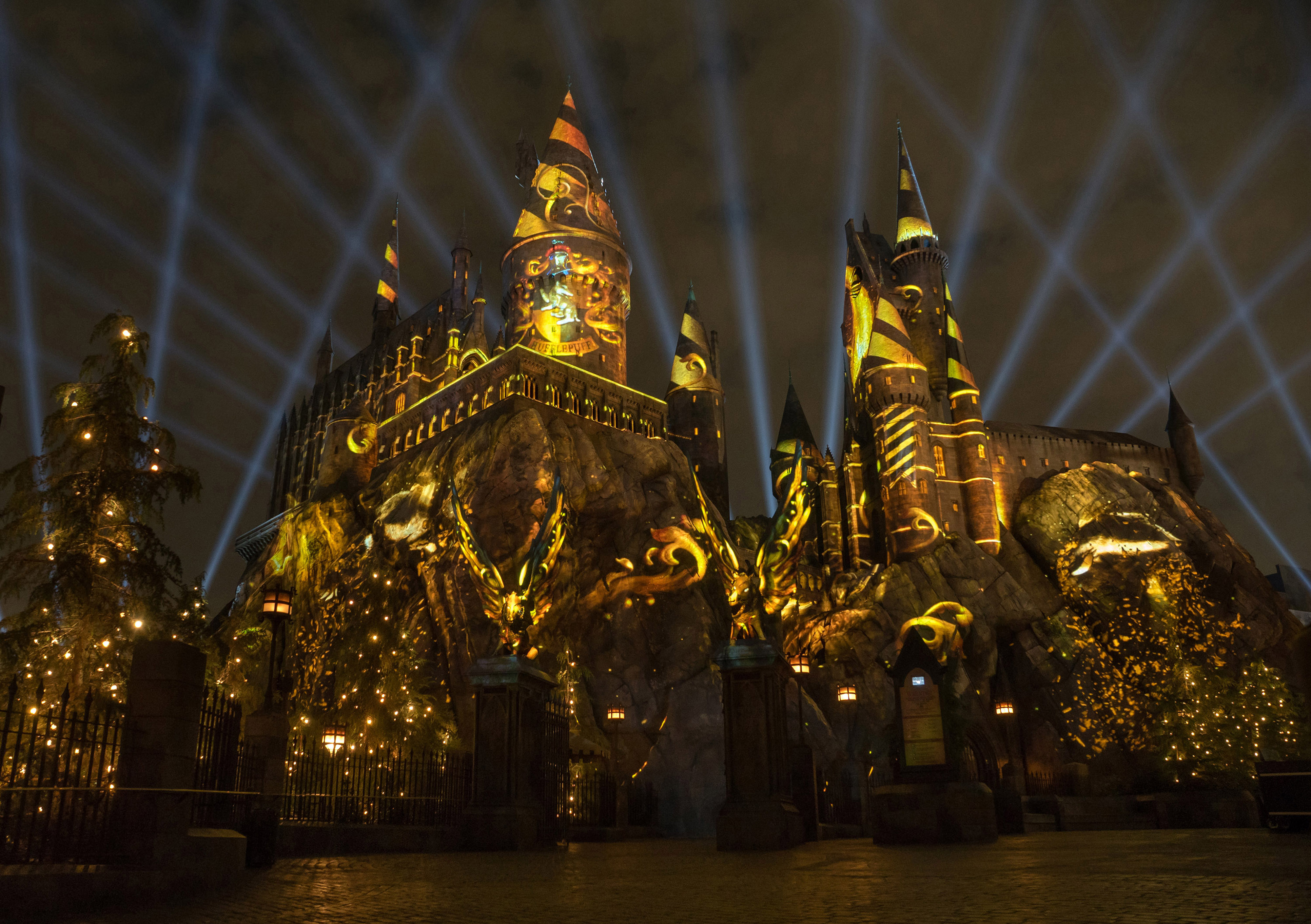 """""""The Nighttime Lights at Hogwarts Castle"""" will project on the castle and around """"The Wizarding World of Harry Potter"""" area at Universal Studios Hollywood beginning Friday, June 23, at the theme park. (Photo courtesy: Universal Studios Hollywood)"""