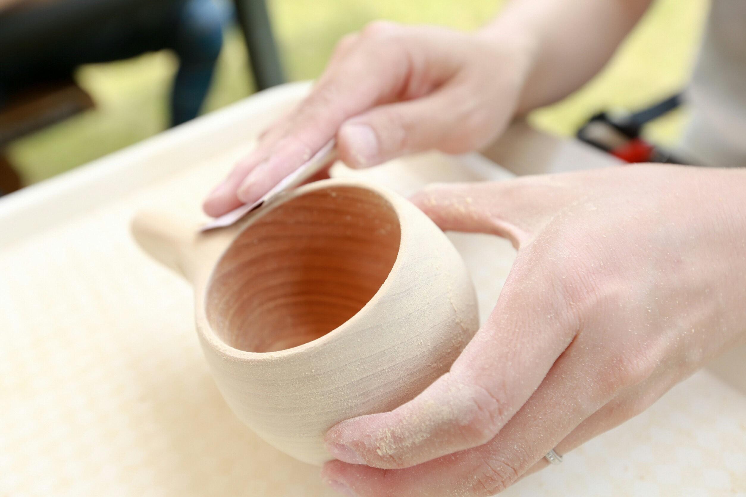 14:00 - 16:00 以日本京都府北部山林的檜木製作獨一無二的傳統木杯,傳說會為收到木杯的人帶來幸福。