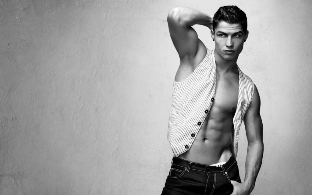 cristiano-ronaldo-model-photos-hd-wallpaper-1080x675