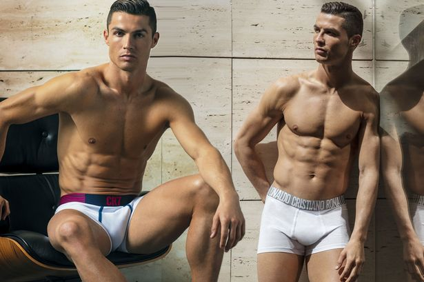 [Image: MAIN-Cristiano-Ronaldo-unveils-his-new-S...ection.jpg]